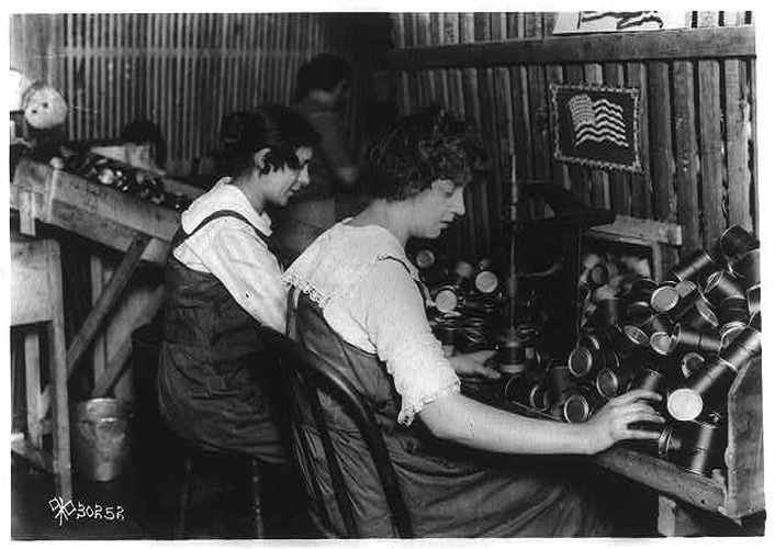 their contribution during world war one Southern states were critical to the war effort during world war ii and allowing civilians to make valuable contributions to the war their efforts.